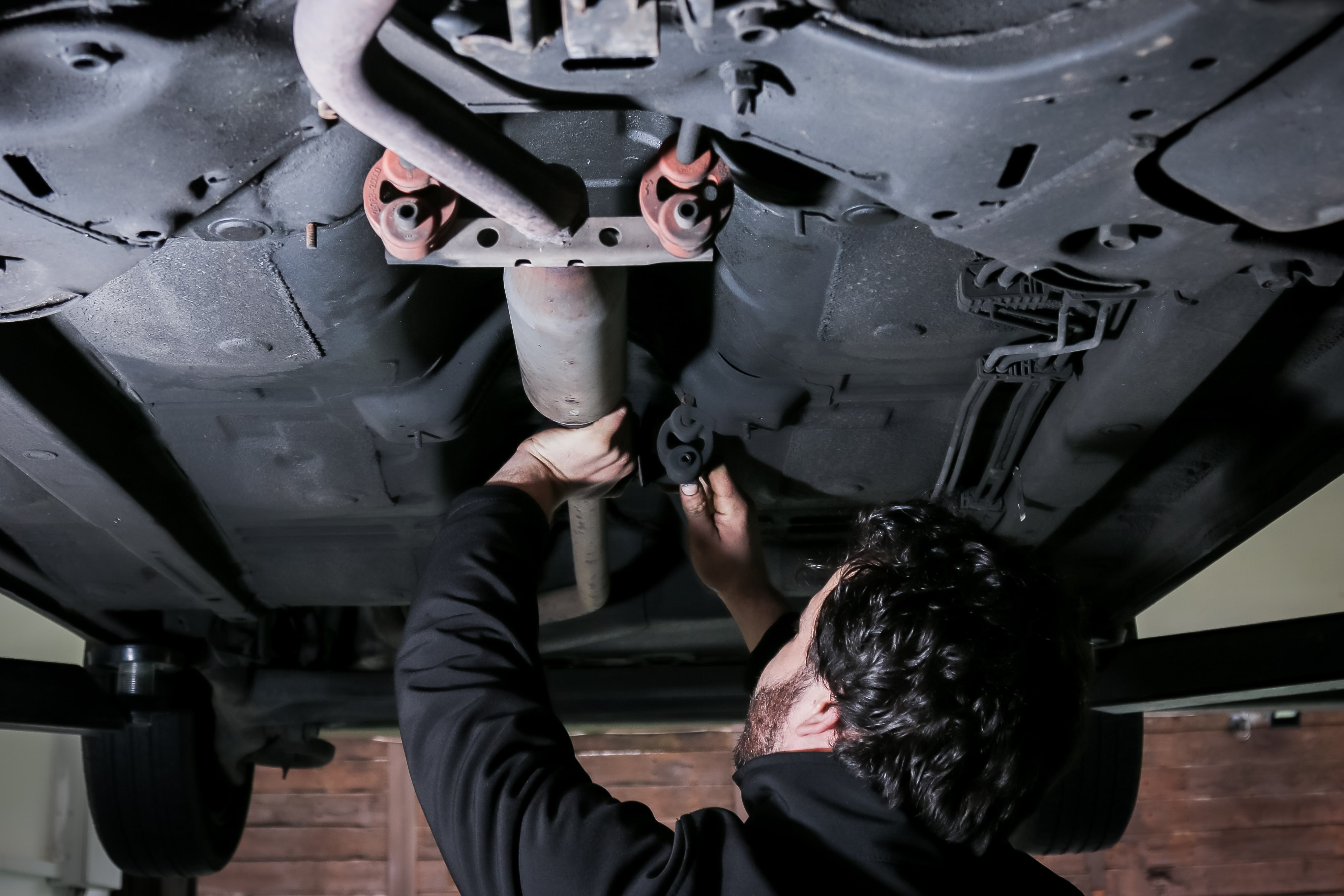 Exhaust Repair In Nottingham Who Can Fix My Car 2007 Honda Crv Resonator Chamber Components Parts Diagram